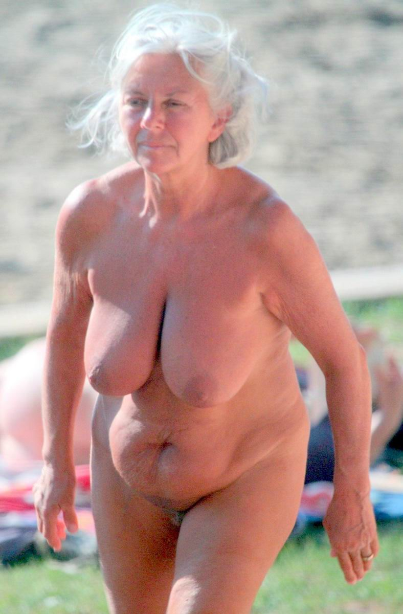 Nude women with balls